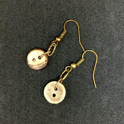 Coconut Button Earrings_©DuttonsforButtons