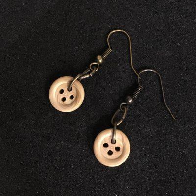 Small Wooden Button Earring_©DuttonsforButtons